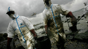 Cleaning up oil spills with magnets and nanotechnology